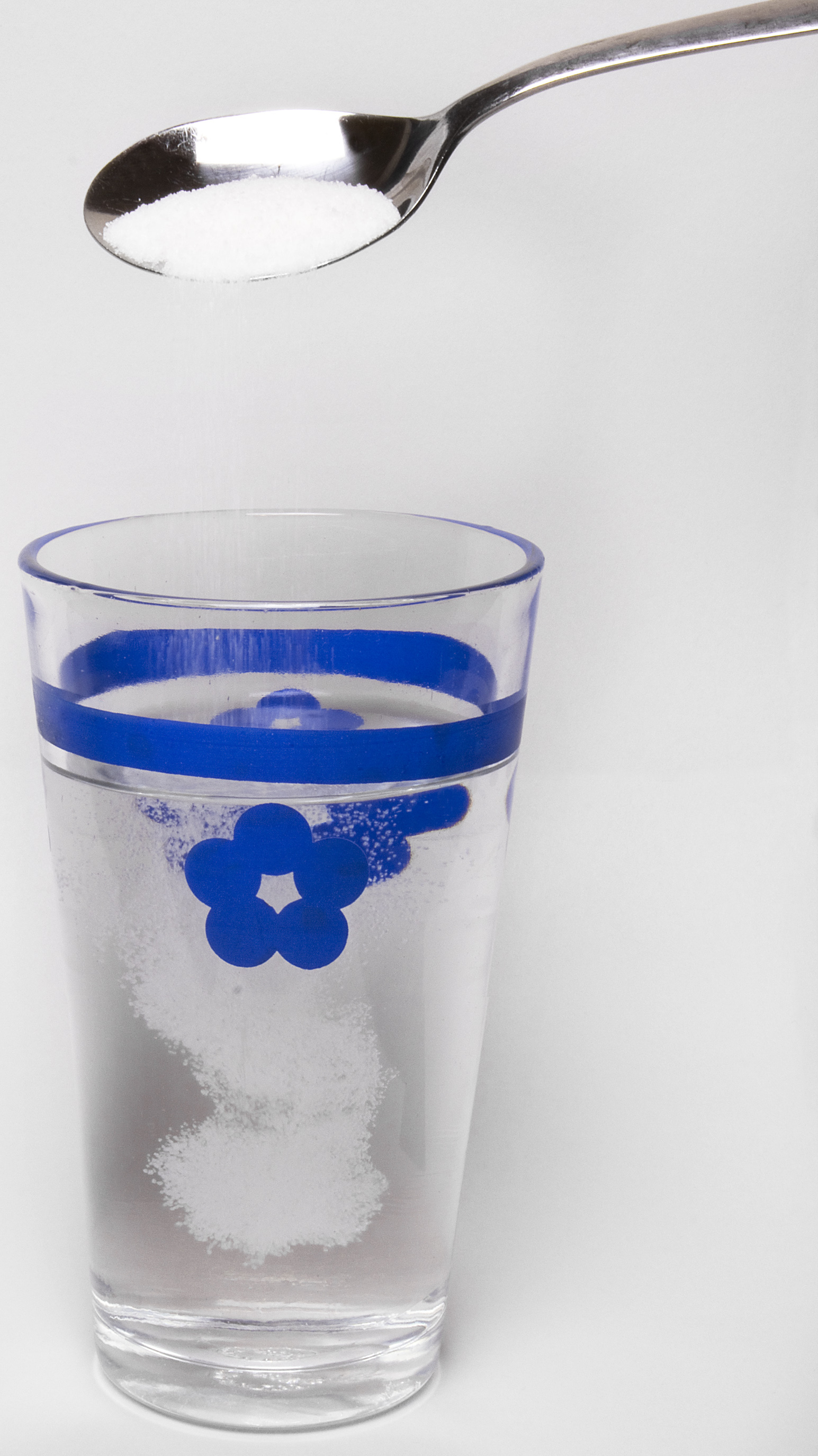 03_Spoon_Sugar_Solution_with_Glass